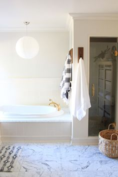 Sprucing up my bathroom for guests with just #5moremins and #targetstyle!