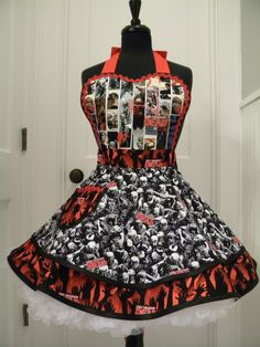 Hey, I found this really awesome Etsy listing at https://www.etsy.com/listing/255876180/womens-apron-the-walking-dead-flounce