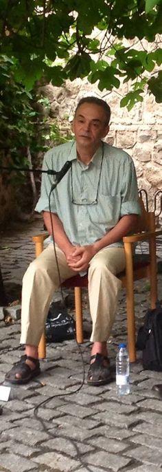Voix Vives Toledo 2015 El poeta Bassim Nabriss Lectura en el patio de la Escuela de Traductores