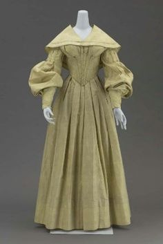 Dress worn by Elizabeth Richards at her marriage to John S. Parmelee in Newport, New Hampshire, January 19, 1839. Museum of Fine Arts, Boston.