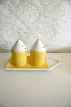 yellow pencils - vintage salt and pepper shakers