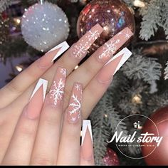 Want Flawless Skin? - About a Beauty Case Bling Acrylic Nails, Acrylic Nails Coffin Short, White Acrylic Nails, Best Acrylic Nails, Cute Christmas Nails, Xmas Nails, Christmas Nail Designs, Merry Christmas, Nagel Bling