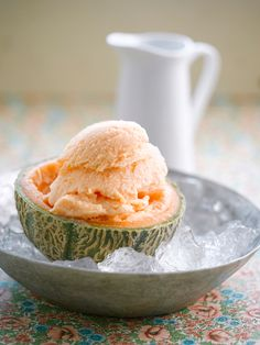 Melonen-Eiscreme | http://eatsmarter.de/rezepte/melonen-eiscreme