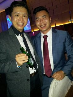 Having a celebration drink w PKTian family @ Sin Chew Excellence Awards Nite