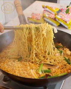 Easy Asian Recipes, Ramen Recipes, Vegetarian Recipes, Cooking Recipes, Healthy Recipes, Philapino Recipes, Noddle Recipes, Rice Noodle Recipes, Easy Japanese Recipes