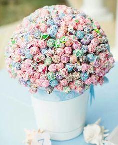 Lollipop centrepiece for children's table :)
