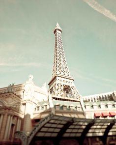 las vegas, paris, eiffel tower, color combo, mint green, towers, green latoureiffel, honeymoons, lets go
