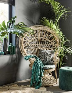 hippy room 207376757824950729 - Chaise Paon Pouf Vert Source by turbulencesdeco Interior Tropical, Hippy Room, Home Decoracion, Deco Nature, Boho Stil, Rattan Furniture, Rattan Chairs, Rattan Peacock Chair, Lounge Chairs