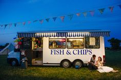 Rain-Soaked Wedding Festival: Helen & James · Rock n Roll Bride Food Truck Wedding, Wedding Reception Food, Tipi Wedding, Wedding Catering, Rain Wedding, Wedding Foods, Field Wedding, Lesbian Wedding, Marquee Wedding