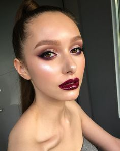 """4,928 Likes, 34 Comments - @tominamakeup on Instagram: """"My unreal Diana @diana_piner ❤️ Demonstration for my best students from different countries..…"""""""