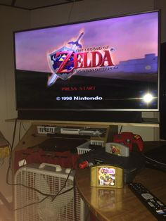 Playin it old school all over again w my aunts old N64 that she just gave to me tonight  Visit blazezelda.tumblr.com