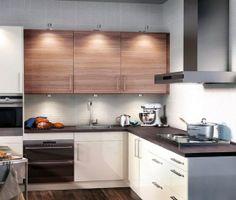 Small L-shaped Kitchen | Simple, small L-shaped modern kitchen.