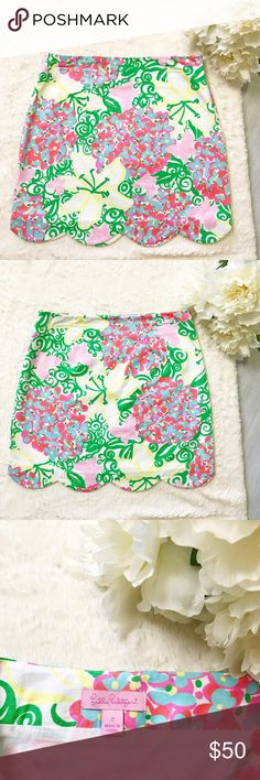 🌴HOST PICK🌴Lilly Pulitzer Mariposa Lynnie Skirt Lilly Pulitzer Mariposa Lynnie Skirt Size 2 Great Used Condition Cute scalloped detail Zips on the side Lilly Pulitzer Skirts