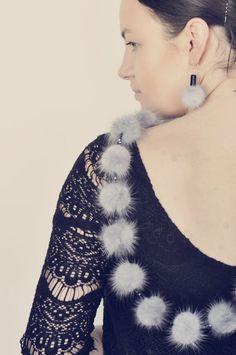 Earrings with stone onix and mink fur pom pom