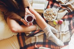 Porque la comida durante invierno, no es igual a la de primavera o verano, lee las siguientes recomendaciones. En la columna de Kellogg's. http://www.expoknews.com/como-alimentarnos-en-invierno/