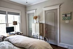 Trim Eider White All by Sherwin Williams Paint/ trim- Walls Agreeable Gray. Trim Eider White All by Sherwin Williams Interior Door Colors, Grey Interior Doors, Painted Interior Doors, Grey Doors, Painted Doors, Interior Design, Interior Architecture, Light Grey Walls, Beige Walls