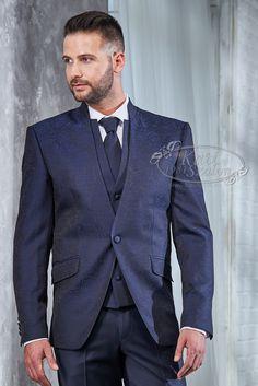 Férfi sötétkék öltöny szett ekrü színű ceremónia mellénnyel