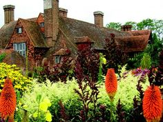This two-day symposium in October features lectures from Fergus Garrett and Aaron Bertelson of Great Dixter in England, workshops, a plant sale, and garden tours at the Dixon Gallery and Gardens in Memphis, TN