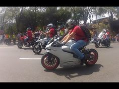 Desfile de Autos clasicos y antiguos 2014, Caravana Policia Y ejercito Motorcycle, Vehicles, Camper Van, Motorcycles, Old Cars, Police, Army, Car, Motorbikes