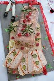 Aleda konyhája: Pulyka terrine - Terină de curcan Gift Wrapping, Gifts, Advent, Food, Gift Wrapping Paper, Presents, Wrapping Gifts, Essen, Meals