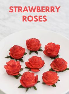 """Create your own edible roses with Use strawberry roses to garnish desserts or create a """"bouquet"""" as a gift for your loved ones. Cut Strawberries, Chocolate Covered Strawberries, Amazing Food Decoration, Edible Roses, Strawberry Flower, Charcuterie And Cheese Board, Strawberry Decorations, Creative Food Art, Food Garnishes"""