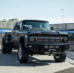 this is one mean lookin dodge. Old Dodge Trucks, Dodge Pickup, Dually Trucks, Diesel Trucks, Pickup Trucks, Dodge Cummins, Rv Truck, Lifted Trucks, Ford Mustang