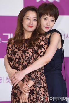 kim sun ah for instyle august 2017 | 욕망도 품위있게…김희선·김선아 '품위있는 그녀 ...