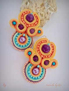Handmade Statement Soutache and Leather Jewelry by elrinconcitodezivi Diy Earrings, Stone Earrings, Earrings Handmade, Crochet Earrings, Purple Earrings, Bead Jewellery, Boho Jewelry, Soutache Necklace, Earring Trends