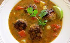 Deze Mexicaanse Albondigas Soep is lekker, gezond en redelijk eenvoudig te bereiden. Eet smakelijk!