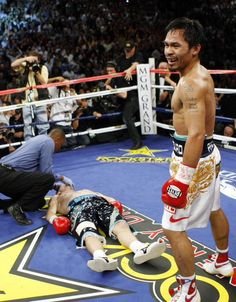 Pacquiao by clean 2 knockdowns and clean 1 KO v. Hatton in boxing history total fight. Pacquiao knockdown Hatton twice on round 1 and Hatton had been KO on the round Pacquiao by clean KO on round Pacquiao won by KO on round 2 against Hatton. Manny Pacquiao, Pacquiao Fight, Pacquiao Vs, Ufc Boxing, Boxing News, Boxing Videos, Sport Boxing, Boxing Training, Boxing Workout