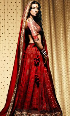 Indian bridal lengha- #indianwedding, #shaadibazaar