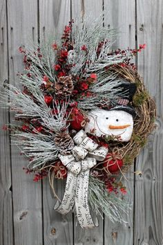 Frosty the Snowman Christmas Wreath Free by FloralsFromHome, $148.00 by angelita Christmas Snowman, Country Christmas, Snowman Wreath, Christmas Door, Christmas Holidays, Elegant Christmas, Christmas Ornaments, Christmas Projects, Wreath Crafts