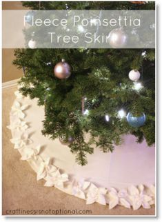 Poinsettia Christmas tree skirt tutorial