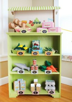 Lots of ideas for DIY play food. by enid