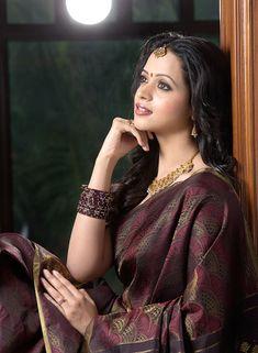 actress-bhavana-photo-shoot-in-saree-9.jpg (630×859)