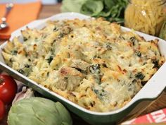 Rachel Ray-- spinach artichoke mac n cheese Chef Recipes, Wine Recipes, Food Network Recipes, Pasta Recipes, Vegetarian Recipes, Cooking Recipes, Yummy Recipes, Cooking Videos, Tasty