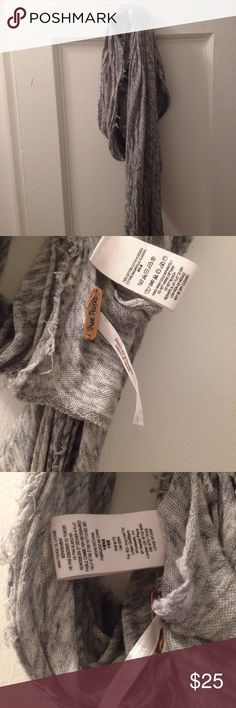 Free people cotton gray scarf Free people, 100 percent cotton gray scarf, worn a couple times, in good condition, light weight great for a breezy day!  Feels like that jersey fabric it's that soft stretch jersey feel Free People Accessories Scarves & Wraps