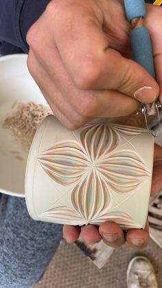 Ceramic Clay, Ceramic Pottery, Pottery Art, Porcelain Clay, Clay Mugs, Clay Art Projects, Ceramics Projects, Ceramics Ideas, Polymer Clay Crafts
