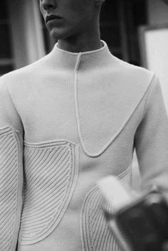 knitGrandeur: Jil Sander A//W 10 Backstage really nice! Knitwear Fashion, Knit Fashion, Mens Fashion, Classy Fashion, Fashion Details, Fashion Tips, Fashion Design, Fashion Hacks, Style Fashion