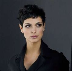 Morena Baccarin, love her hair and makeup Morena Baccarin, Super Short Hair, Girl Short Hair, Curly Girl, Short Hair With Layers, Short Hair Cuts For Women, Hot Hair Styles, Curly Hair Styles, Very Short Haircuts
