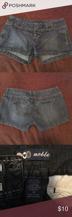 Silver jeans Wear on the bottom as you can see in the picture ...