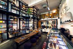 istanbul'daki muhteşem 10 kitap kafe! Hem kitap okumak hem de bir şeyler atıştırmak için sessiz bir mekân arıyorsanız, istanbul'da bulunan en güzel mekanlar