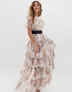 Buy Needle & Thread tiered floral maxi dress with contrast waistband in rose quartz at ASOS. Get the latest trends with ASOS now. Embellished Jumpsuit, Embellished Crop Top, Cami Midi Dress, Maxi Dress With Sleeves, Asos, Maxi Gowns, Vintage Stil, Going Out Dresses, Mode Online