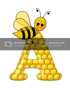 Alfabeto de abeja sobre letras de panal. - Oh my Alfabetos! Blogger Templates, Tigger, Bee Decorations, Disney Characters, Fictional Characters, Alphabet, Bee Art, Honeycomb, Bees