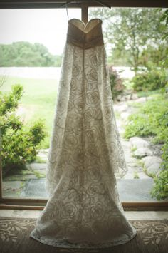 Country Chic Wedding | Wedding Dress Photos | MN Wedding Photos | Affordable Wedding Photos