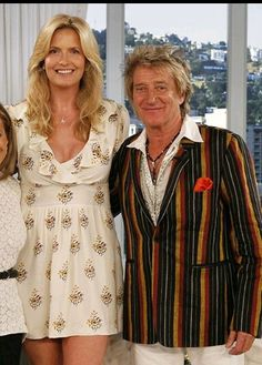 Rod and Penny, Tall Girl Short Guy, Short Girls, Tall Boyfriend Short Girlfriend, Penny Lancaster, Rod Stewart, North London, Tall Women, Forever Young, Model Trains