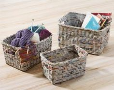 baskets from recycled paper Newspaper Basket, Newspaper Crafts, Recycle Newspaper, Paper Furniture, Recycled Furniture, Diy Crafts To Sell, Easy Crafts, Recycled Magazine Crafts, Paper Basket Weaving