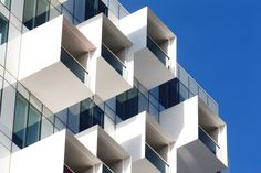 The projecting balconies of the Upper House by Jackson Clements Burrows add dynamism and depth to the building envelope. Box Architecture, School Architecture, Contemporary Architecture, Amazing Architecture, Upper House, Landscape Concept, Building Structure, Built Environment, City Living
