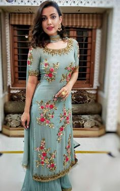 Party Wear Indian Dresses, Pakistani Fashion Party Wear, Indian Fashion Dresses, Designer Party Wear Dresses, Kurti Designs Party Wear, Dress Indian Style, Pakistani Dress Design, Indian Designer Outfits, Indian Wedding Outfits