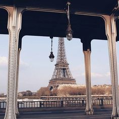 The Inception-bridge (Pont de Bir-Hakeim) framing the Eiffel Tower #paris